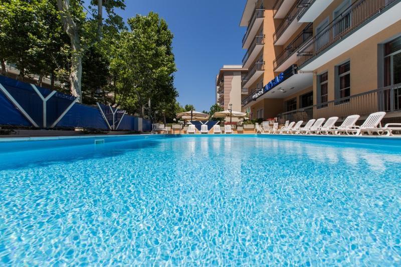 Hotel 3 stelle a rimini sul mare hotel atlas rimini - Hotel rivazzurra con piscina ...
