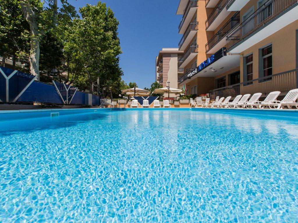 Prenota prima estate 2019 rimini hotel con piscina hotel atlas sul mare - Hotel sul mare con piscina ...