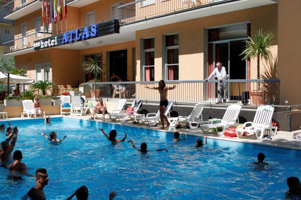 Hotel rimini 3 stelle con piscina coperta wroc awski informator internetowy wroc aw wroclaw - Hotel con piscina a rimini ...